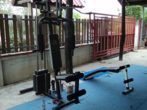 Weights at Geatpondip Muay Thai Gym